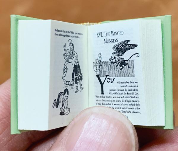 The Wonderful Wizard of Oz by L. Frank Baum  micro-miniature